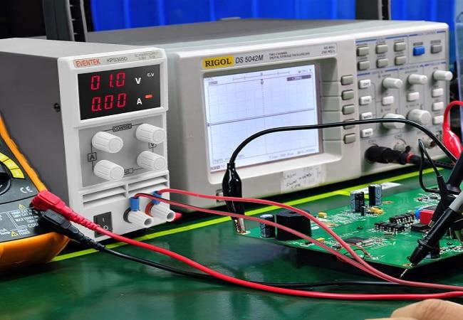 Alimentation réglable stabilisée de laboratoire, variable 0-30 volts, avec courant ajustable mode CC CV, pas cher et puissant pour alimenter électronique
