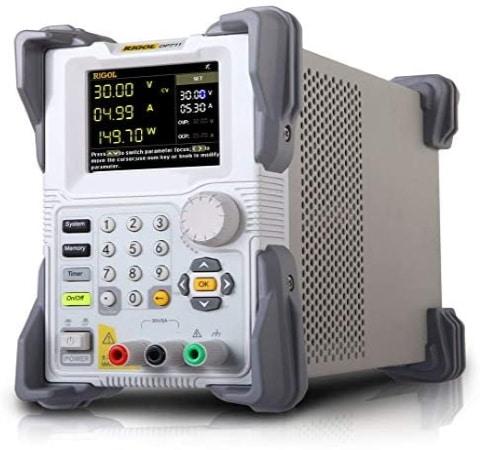 Alimentation stabilisée laboratoire RIGOL DP711, ajustable de 0 à 30V et limité à 5V de courant réglable, programmable et variable en puissance