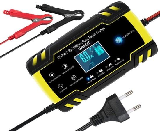 Chargeur batterie voiture intelligent URAQT 12V et 24V pour moto, auto, bateau, ou camping car, 4A ou 8A jusqu'à 150 Ah et désulfater batterie top4