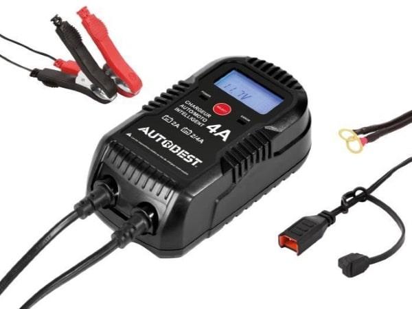 Chargeur batterie voiture pas cher AUTODEST 6V ou 12V automobile ou moto, 2A et 4A jusqu'à 120 Ah automatique écran LCD rétroéclairé 230v top4